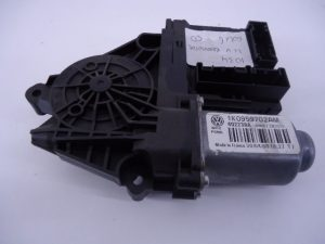GOLF 6 4D RAAM MOTOR LINKSVOOR 1K0959702AM-0