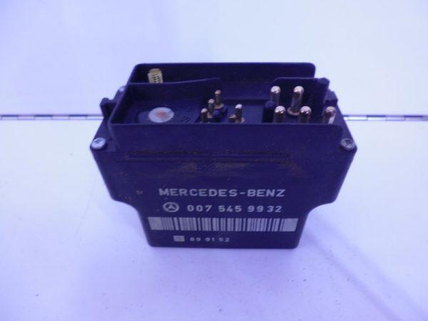 W124 250D VOOR GLOEIRELAIS 0075459932-0