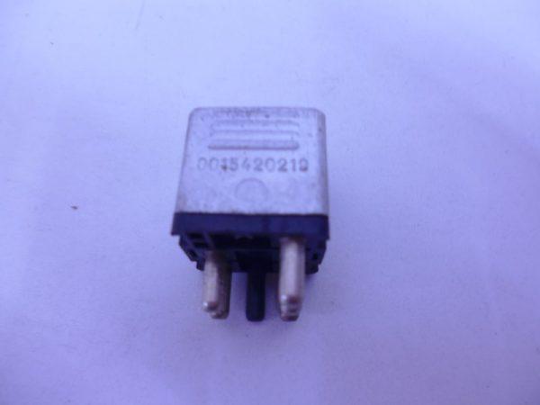W124 RELAIS DIVERSE 0015420219-0