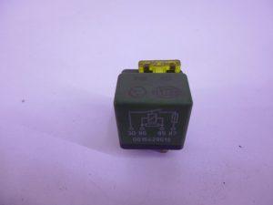 W124 RELAIS GROEN ZEKERING A0015429619 -0