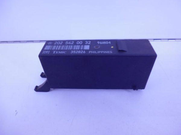 C-KLASSE W202 RELAIS MODULE LAMPCONTROLE A2025420032-0