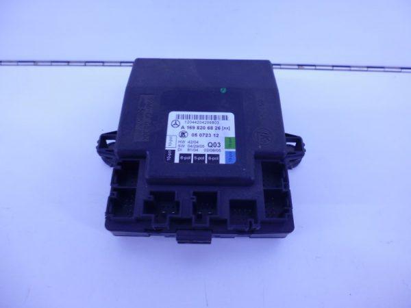 A-KLASSE W169 SAM MODULE RELAIS VOORPORTIER RECHTS A1698206826 -0