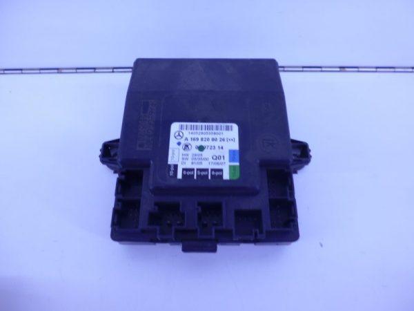 A-KLASSE W169 SAM MODULE RELAIS VOORPORTIER RECHTS A1698208026 -0