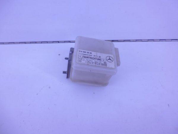 E-KLASSE W210 RELAIS MODULE HELLINGSHOEKDETECTIE A2108202926-0