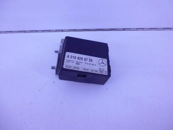 E-KLASSE W210 RELAIS MODULE HELLINGSHOEKDETECTIE A2108208726-0