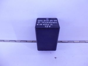 C-KLASSE W202 RELAIS MODULE KICKDOWN A0025456505-0