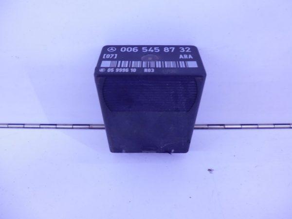 W124 E-KLASSE 2.5D RELAIS MODULE ARA A0065458732 ARA-0