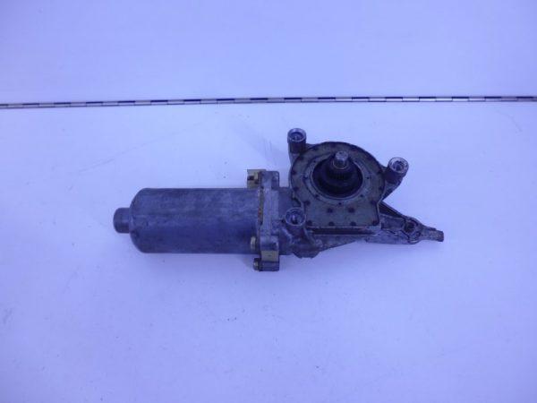 C-KLASSE W202 RAAMMOTOR LINKSACHTER 2-POLIG A2027300746-0
