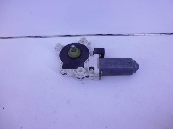 E-KLASSE W211 RAAMMOTOR RECHTSACHTER 6-POLIG A2118202442-0
