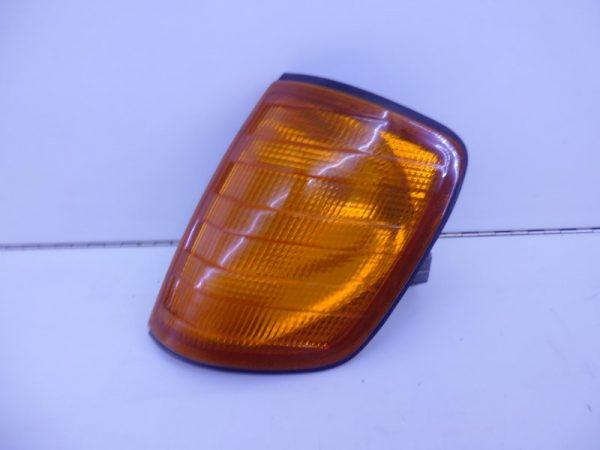 W124 KNIPPERLICHT LINKS ORANJE A1248260043-0