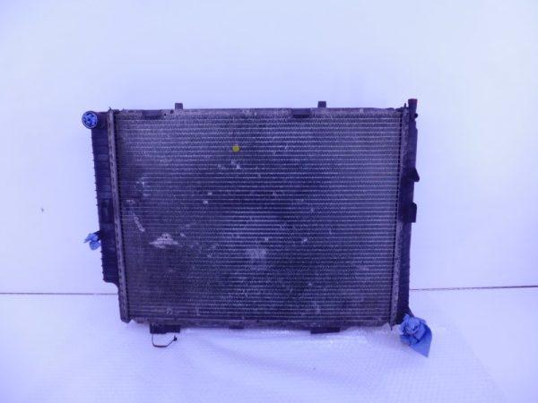 E-KLASSE W210 270/320CDI RADIATEUR A2105005803 A2108300470-3926