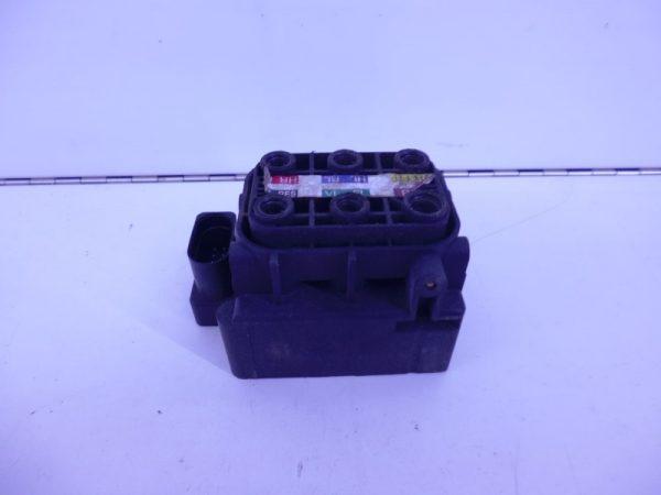 ML-KLASSE W166 VENTIELBLOK LUCHTVERING GEBRUIKT A2123200358-0