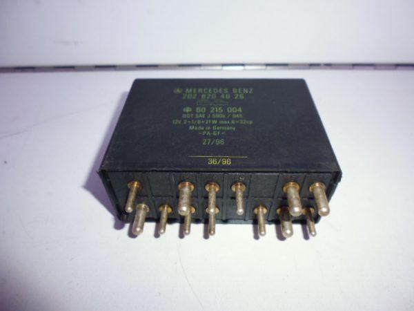 C-KLASSE W 202 RELAIS MODULE KNIPPERLICHT TREKHAAK A2028204626-0