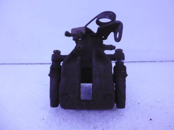 A4 8D REMKLAUW REMZADEL RECHTSACHTER 8D0615424-0