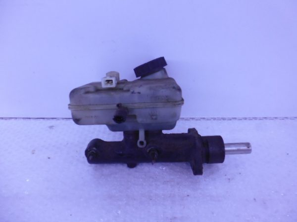 SPRINTER W900 HOOFDREMCILINDER A0004315601-0
