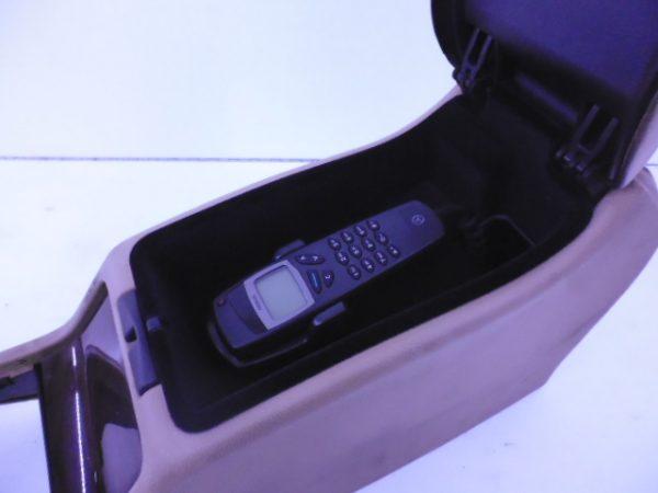 E-KLASSE W210 MIDDENCONSOLE CREME A2106802250-5810