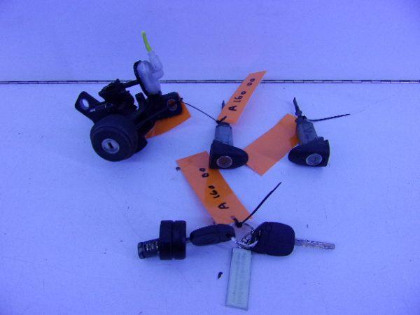 A-KLASSE 160 SLOTENSET A1684620079-0