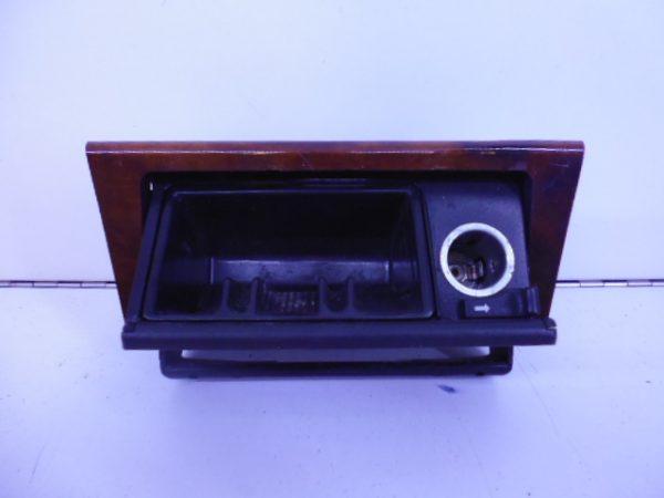 E-KLASSE W124 ASBAK VOOR A1248101530-6120