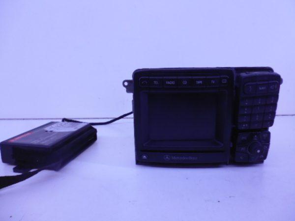 S-KLASSE W220 NAVIGATIE COMAND SCHADE A2208200389-0