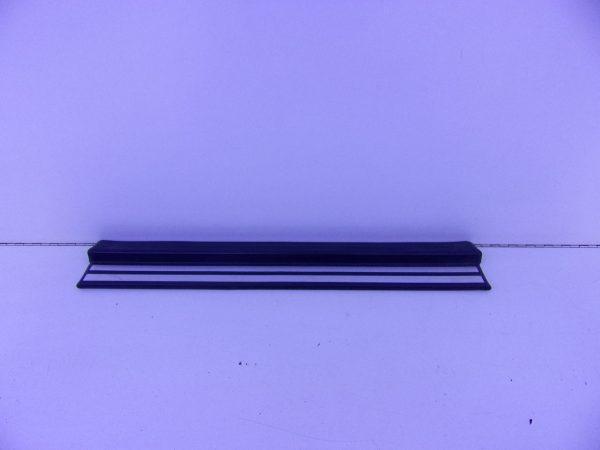 E-KLASSE W210 INSTAPLIJST VOOR A2106800135 5076-0