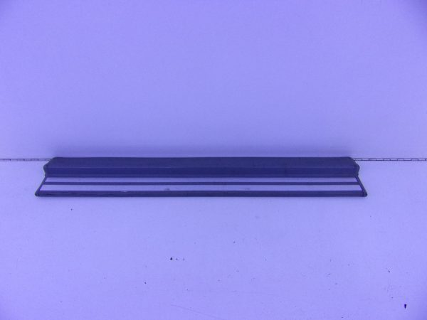 E-KLASSE W210 INSTAPLIJST VOOR GRIJS A2106800135 7101-0