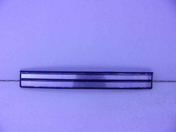E-KLASSE W210 INSTAPLIJST ACHTER NIEUW A2106800535-0