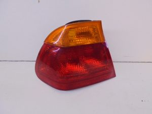 3-SERIE E46 ACHTERLICHT LINKS BUITEN 8364921-0