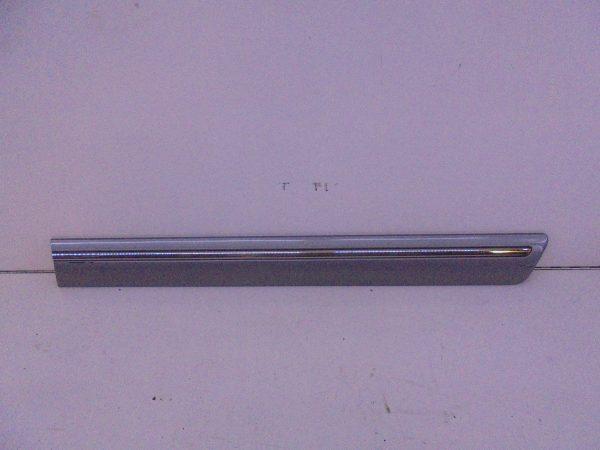 E-KLASSE W210 SIERLIJST LI ACHTERPORTIER A2106900582 7181-0