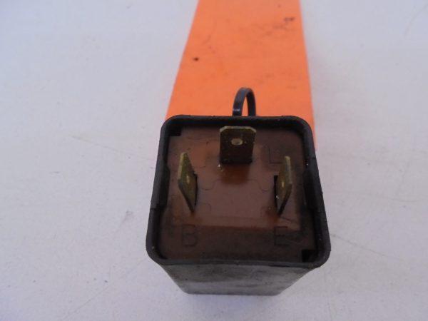 GPX600R KNIPPERLICHT RELAIS GEBRUIKT FA249ED-9060