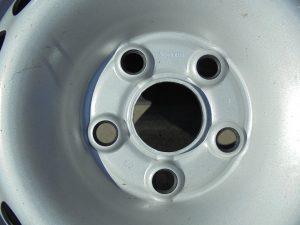 VW T5 STALEN VELGSET NIEUW 16 INCH 7H0601027D -9740
