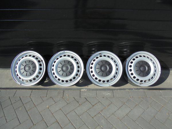 VW T5 STALEN VELGSET NIEUW 16 INCH 7H0601027D -0