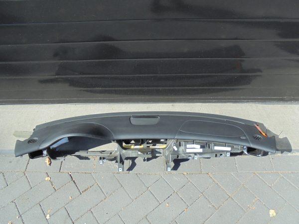 CLS-KLASSE W219 AMG DASHBOARD ZWART LEDER GESTIKT A2196800087 9E44 A2198600502-0