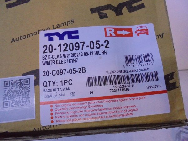 E-KLASSE W212 KOPLAMP RECHTS TYC NIEUW 2012097052 A2128208261-10330