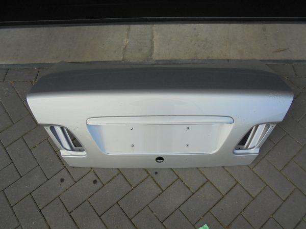 E-KLASSE W210 KOFFERDEKSEL KOFFERKLEP BRILJANTZILVER A2107501175-0