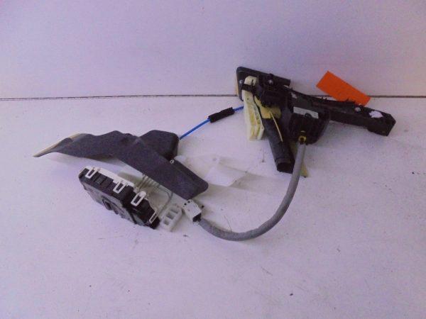 E-KLASSE W212 PORTIERSLOT RV A2047201835 A0997200435-0