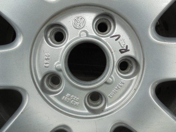 VW GOLF PLUS LICHTMETALEN VELGEN MET CONTI WINTERBANDEN 1K0601025R-10765